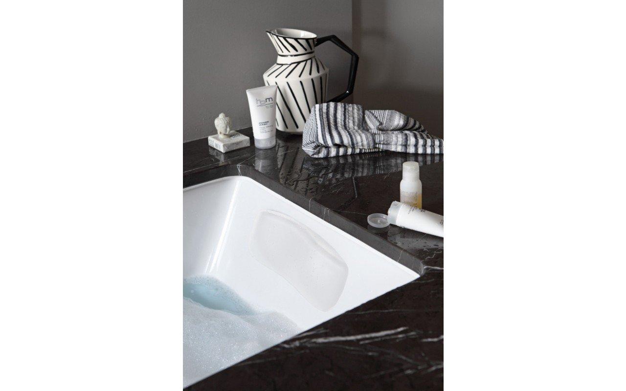 Bath Headrest Vanilla Wht web 2