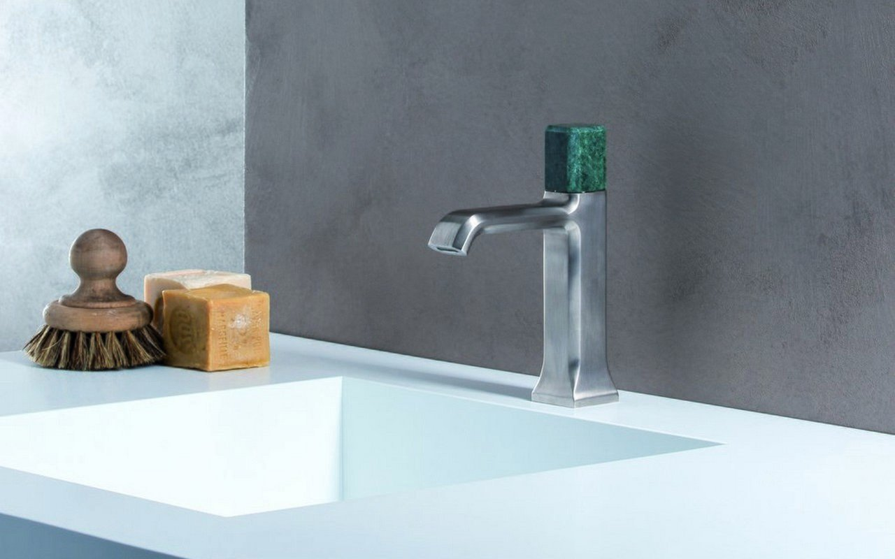 Loren 5 Sink Faucet 01 (web)
