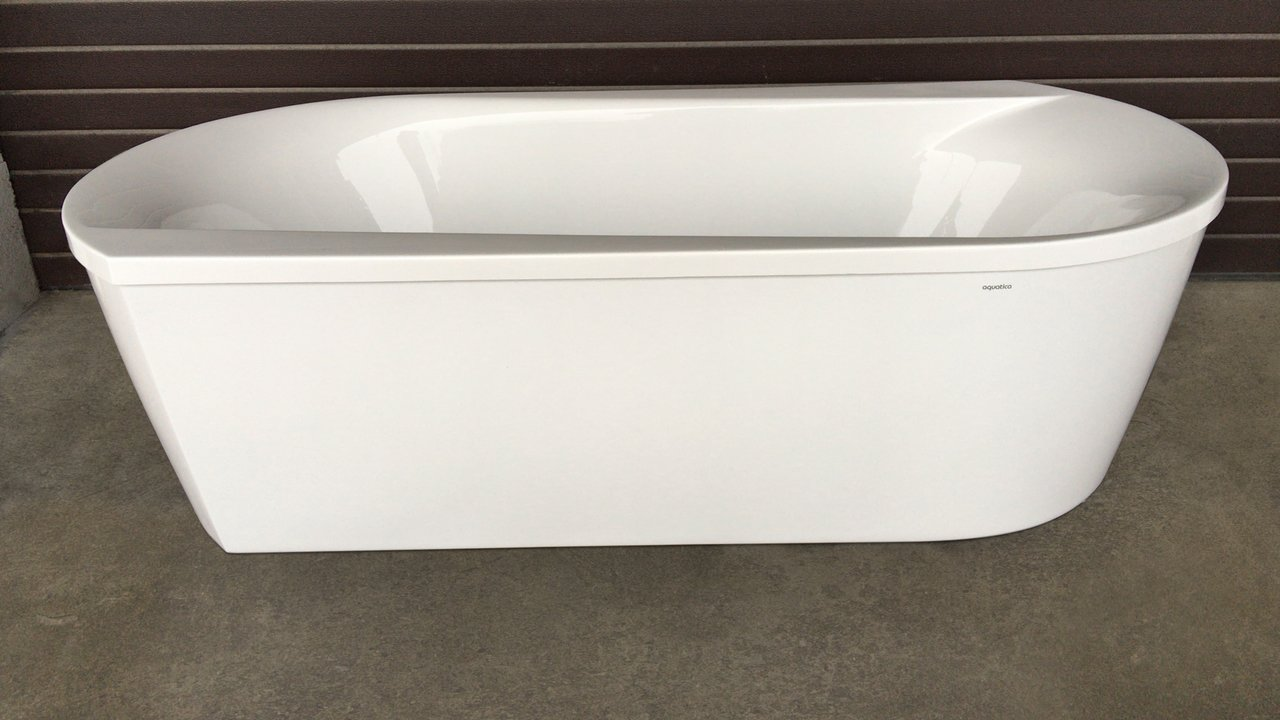 Purescape 107 Wht Freestanding Acrylic Bathtub customer images 02 (web)